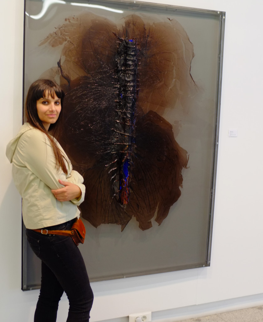"Nádia with her piece ""VISGRAAT"""